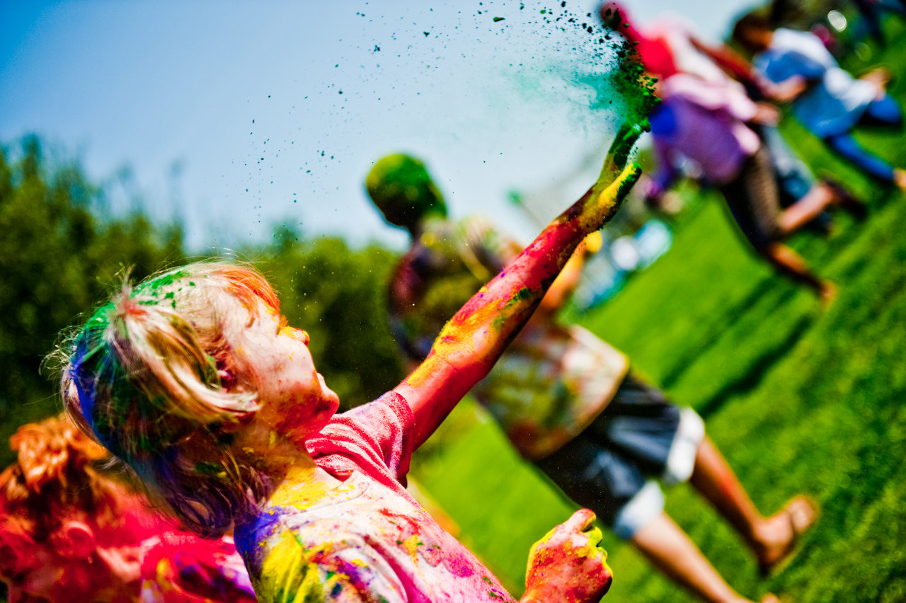Free-Happy-Holi-HD-Wallpaper